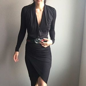 NWOT Marciano black long sleeve dress size small